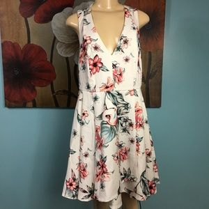 Lulu's• Floral Print Pleated Open Back Dress XL